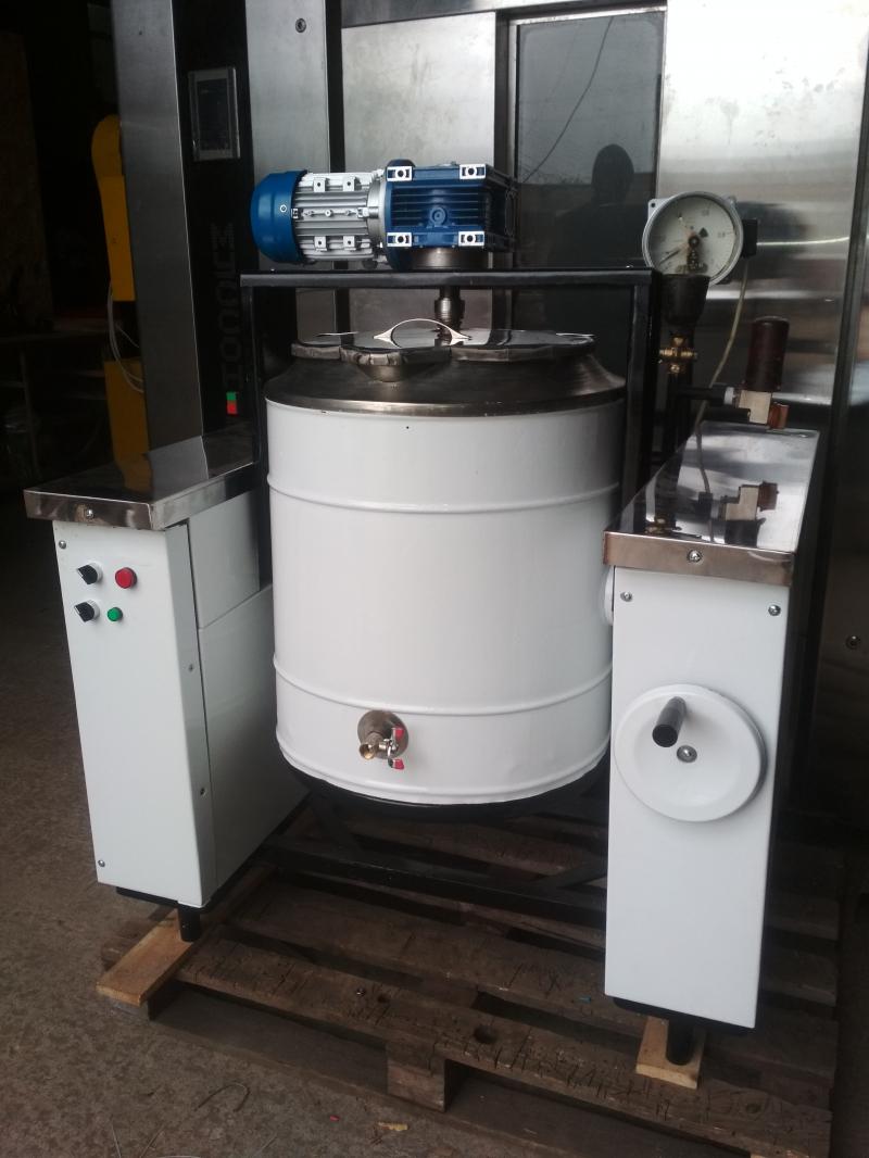Котел пищеварочный электрический с мешалкой и масляной рубашкой (КПЭСМ-60)