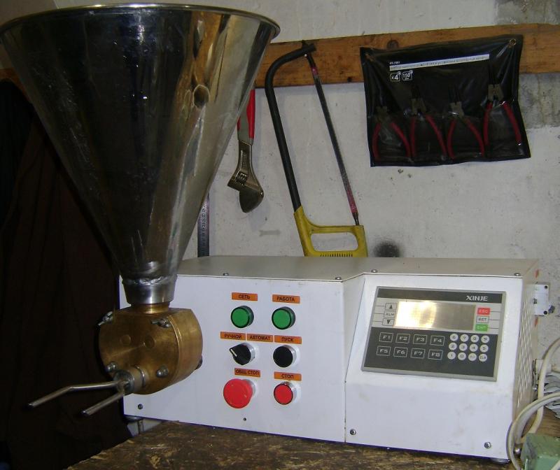 Дозатор-наполнитель ДНК-1Ш с компьютерным управлением